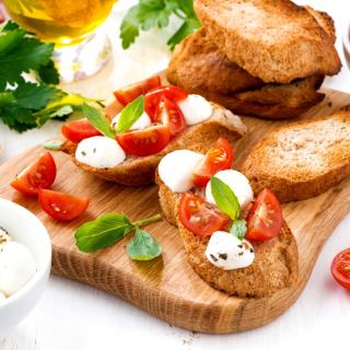 Canape Bruschetta, Mozzarella, Tomatoes - Obrázkek zdarma pro 320x320