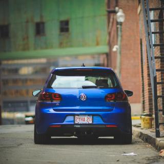 Volkswagen Golf R - Obrázkek zdarma pro iPad