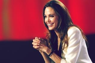 Angelina Jolie - Obrázkek zdarma pro Samsung Galaxy Tab S 8.4