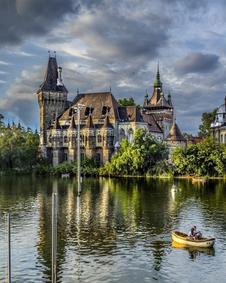 Vajdahunyad Castle in Budapest - Obrázkek zdarma pro 640x960