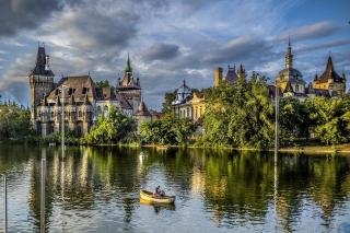 Vajdahunyad Castle in Budapest - Obrázkek zdarma pro HTC One