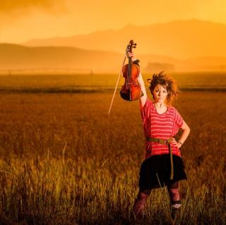 Violin Girl - Obrázkek zdarma pro 1024x1024