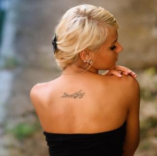Posh Tattooed Blonde - Obrázkek zdarma pro 128x128