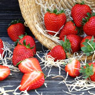 Strawberry Basket - Obrázkek zdarma pro iPad Air
