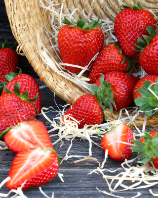 Strawberry Basket - Obrázkek zdarma pro 320x480