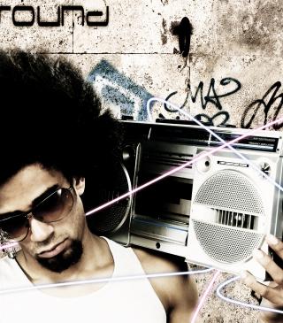 Stylish Guy With Vintage Tape-Recorder - Obrázkek zdarma pro Nokia Asha 311