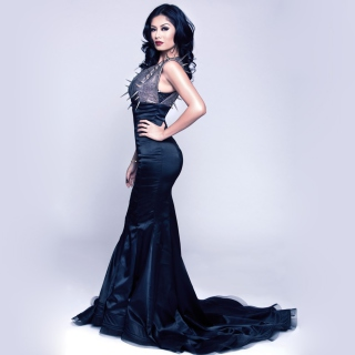 Gorgeous Kim Lee In Black Dress - Obrázkek zdarma pro iPad