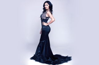 Gorgeous Kim Lee In Black Dress - Obrázkek zdarma pro Samsung Galaxy Grand 2