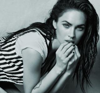 Always Hot Megan Fox - Obrázkek zdarma pro iPad Air