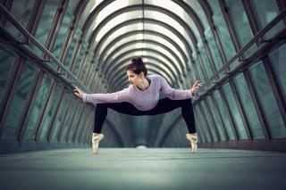 Ballerina - Obrázkek zdarma pro Sony Xperia Z3 Compact