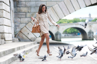 Free Fashion Women on High Heels Picture for Android, iPhone and iPad