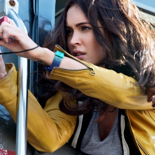 Megan Fox In Teenage Mutant Ninja Turtles - Obrázkek zdarma pro iPad Air
