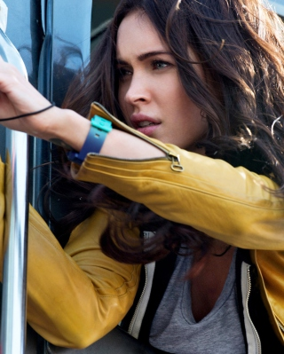 Megan Fox In Teenage Mutant Ninja Turtles - Obrázkek zdarma pro Nokia Lumia 822