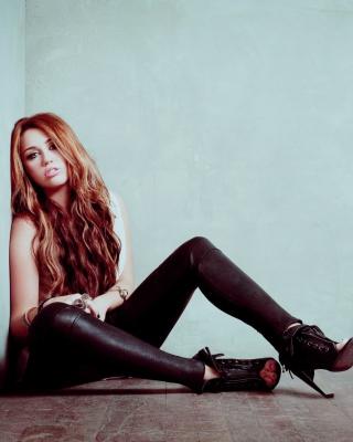 Miley Cyrus Hot - Obrázkek zdarma pro Nokia Lumia 820