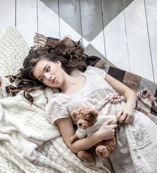 Romantic Girl With Teddy Bear - Obrázkek zdarma pro 1024x1024