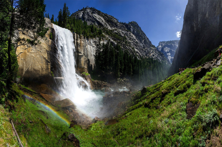 Vernal Fall in Nevada National Park wallpaper