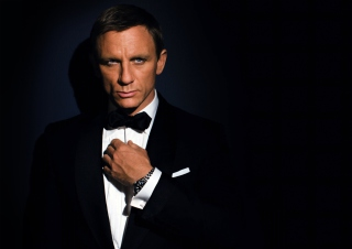 Free James Bond Suit Picture for Android, iPhone and iPad