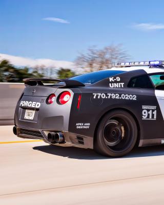 Police Nissan GT-R - Obrázkek zdarma pro Nokia C5-05