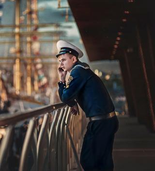 Young Sailor In Uniform - Obrázkek zdarma pro 320x320