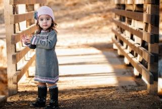 Cute Child Girl In Soft Pink Hat - Fondos de pantalla gratis para Samsung S5367 Galaxy Y TV