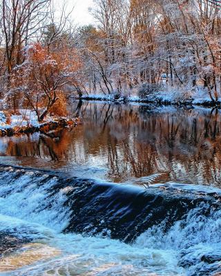 Winter Stream - Obrázkek zdarma pro Nokia 206 Asha