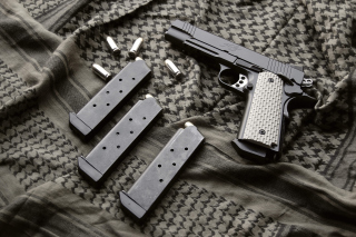 Colt Automatic Pistol M1911 - Obrázkek zdarma pro 1366x768