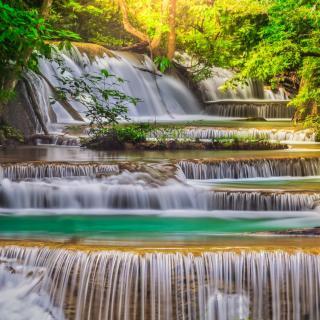 Waterfall - Obrázkek zdarma pro iPad