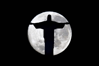 Full Moon And Christ The Redeemer In Rio De Janeiro - Obrázkek zdarma pro 1400x1050