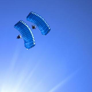 Extreme glider low pass - Obrázkek zdarma pro 320x320