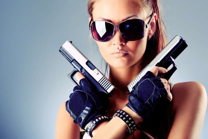 Girl with Pistols wallpaper