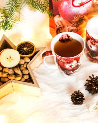 Christmas Tree Ornaments - Obrázkek zdarma pro Nokia X1-01