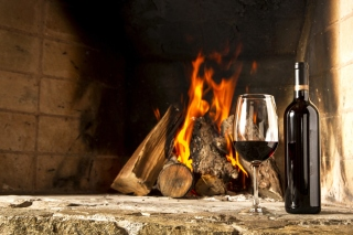 Wine and fireplace sfondi gratuiti per cellulari Android, iPhone, iPad e desktop