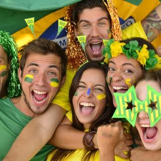 Brazil FIFA Football Fans - Obrázkek zdarma pro 320x320