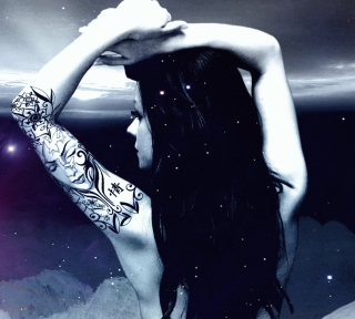 Girl With Black Tattoo - Obrázkek zdarma pro 208x208
