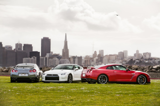 Free Nissan In City Picture for Android, iPhone and iPad