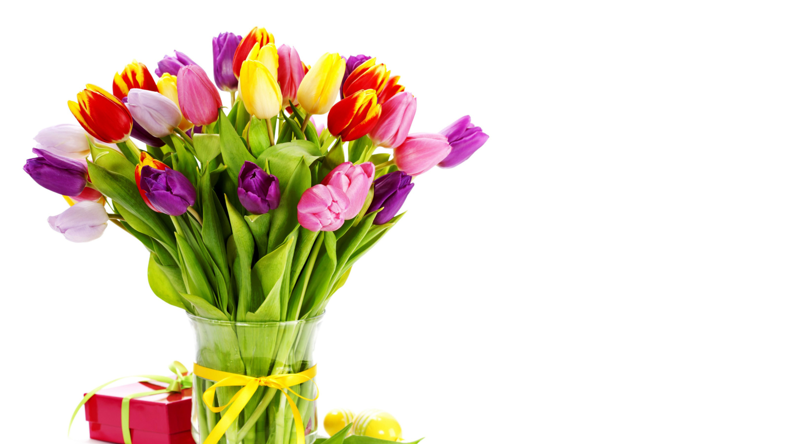 http://files.vividscreen.info/soft/2ad4fb9481aaef991a03ea179e371368/Tulips-Bouquet-and-Gift-1600x900.jpg