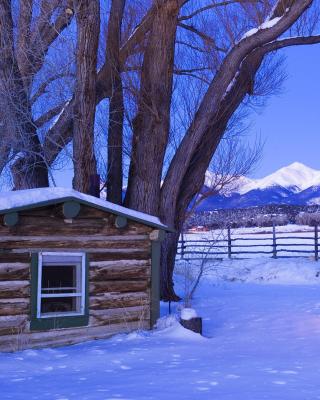 December in Cottage - Obrázkek zdarma pro Nokia Asha 202