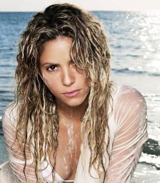 Shakira On Beach - Obrázkek zdarma pro Nokia Asha 306