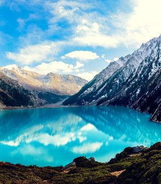 Big Mountain Lake - Obrázkek zdarma pro Nokia Lumia 520