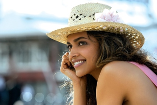Deepika Padukone In Cocktail Movie Picture for Android, iPhone and iPad