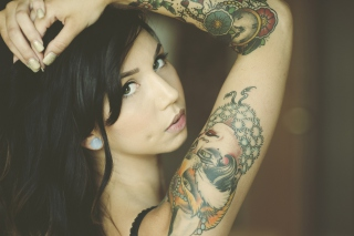 Tattooed Girl - Obrázkek zdarma pro Samsung T879 Galaxy Note