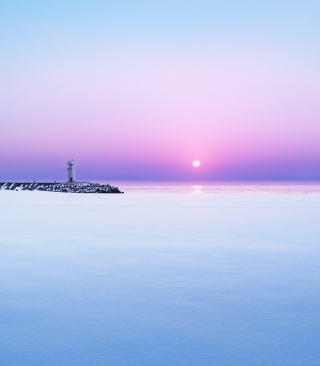 Lighthouse On Sea Pier At Dawn - Obrázkek zdarma pro 750x1334