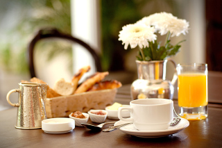 Free Breakfast with orange juice and Biscuits Picture for Android, iPhone and iPad