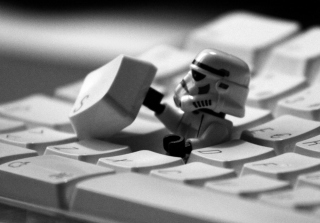 Keyboard Soldier - Obrázkek zdarma pro 1440x900