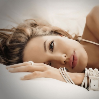 Angelina Jolie - Obrázkek zdarma pro iPad 3