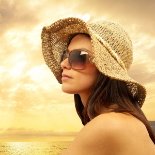Romantic Girl near Sea - Obrázkek zdarma pro iPad Air