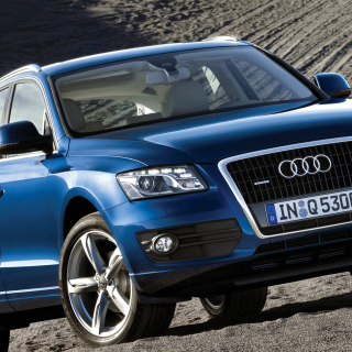 Audi Q5 Blue - Obrázkek zdarma pro iPad
