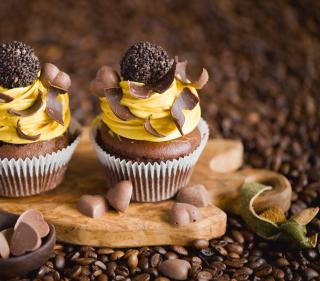 Cream And Chocolate Cupcakes - Obrázkek zdarma pro 320x320