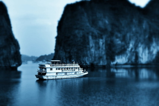 Free Ha Long Bay in Vietnam Picture for Android, iPhone and iPad
