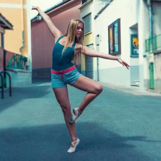 Street Acrobatic Dance - Obrázkek zdarma pro iPad mini